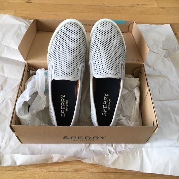 Sperry Seaside Perforated Sneakers