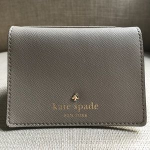 1 HR SALE! Kate Spade Saffiano Leather Wallet
