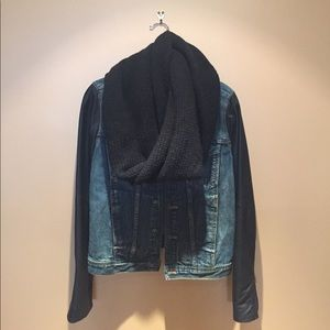 J. crew wool infinity scarf- great condition