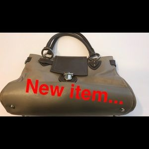 Marc Jacobs leather trapeze bag