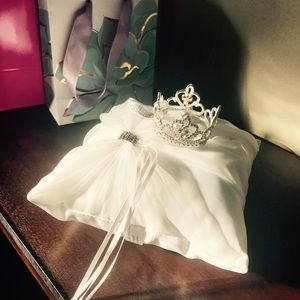 Other - ***Sold***Newborn Tiara & pillow