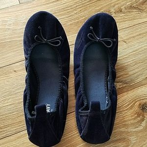 Old Navy stretchy ballet flats