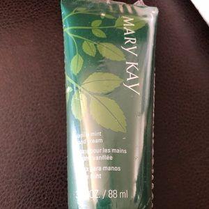 Mary Kay Satin Hands (Vanilla Mint Hand Cream)