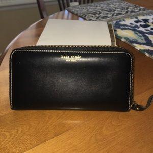 Kate Spade leather zipper wallet