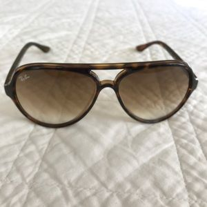 Ray Ban Cats 5000 Classic Sunglasses