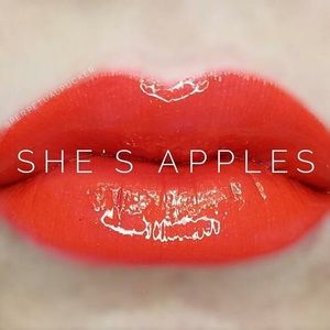 💋 Lipsense She's Apples Color