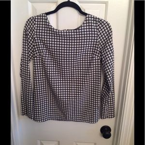 Long sleeved Black & White Top with Zipper detail