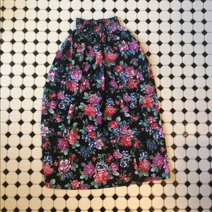 Floral midi skirt with elastic/ clinched waist
