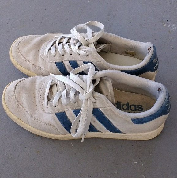 Vintage 90s Adidas suede shoes