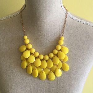 Jewelry - Yellow necklace