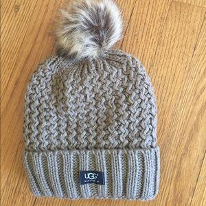 Adorable UGG hat. 🍁