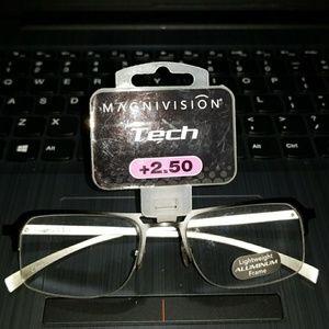 Magnivision