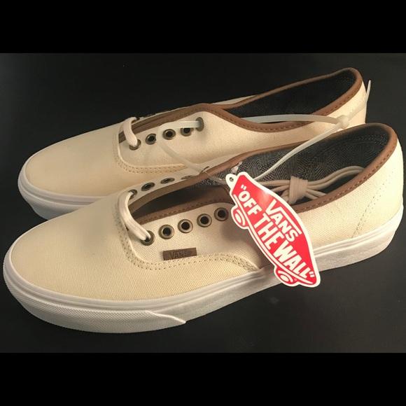 def86fa514e2d5 Vans C L Classic White   True White 8.5 Men s. M 59eccca44e95a391f908ae5b.  Other Shoes ...