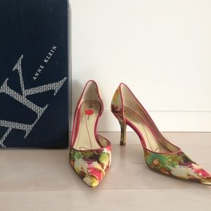 NWT AK Anne Klein colorful pumps