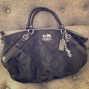 Black coach handbag!!