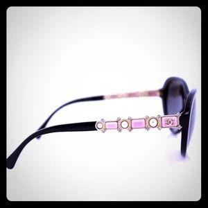 Stunning CHANEL Bijou Pink Pearl💝💝💝