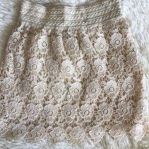 Windsor Lace mini skirt