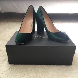 J Crew Lena pumps in velvet - Forest Green sz 5.5