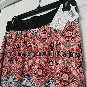 Small LuLaRoe Lucy Skirt NWT!!!