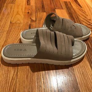 Kelsi Dagger Brooklyn platform sandals size 10