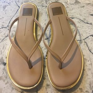 Dolce Vita cream color leather flip flops