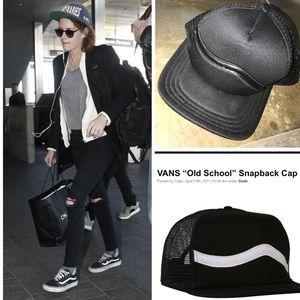 VANS SNAPBACK BLACK HAT