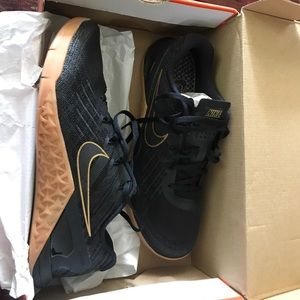 8e07df68cac96 Nike Shoes - Nike metcon 3 x mens 9.5 uk 43 black and gold gum