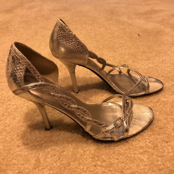 Snake Guess Marciano By Poshmark Kn08wpxno Shoessilver Sandals odxCeWrB