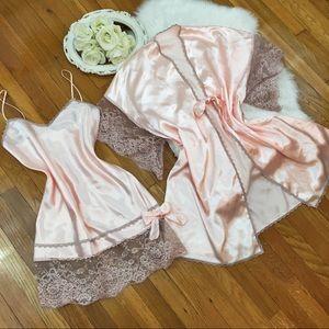🌸Vtg Lingerie Peignoir Silky Lace Sleep Set🌸