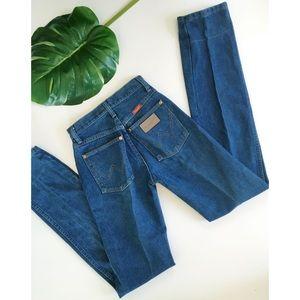 Vintage Wrangler Blue High Waisted Mom Jeans