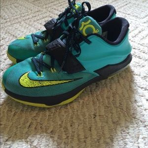 Super cute youth size KD 7's sneakers!