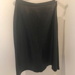 Black leather skirt in excellent condition !!!