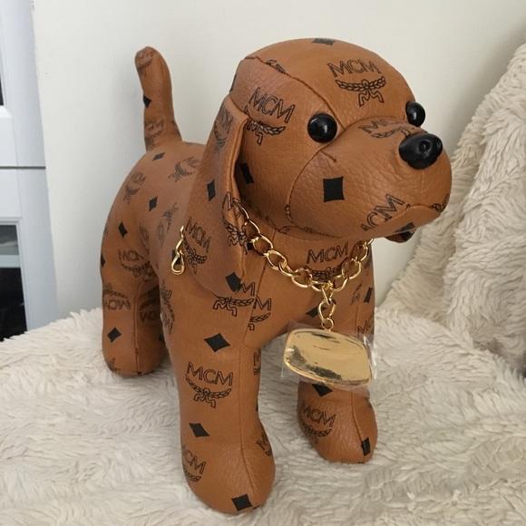 a0c6bd77b MCM Accessories   Authentic Dog Beagle Medium   Poshmark