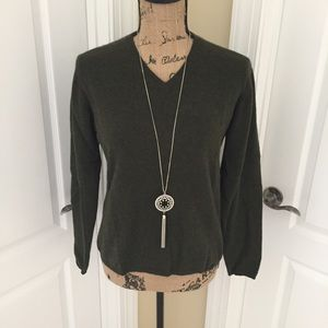 CASHMERE v-neck sweater in gorgeous olive shade!!!