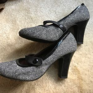 Mary Janes cloth patent leather