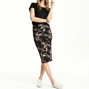 H&M Marble Pencil Skirt