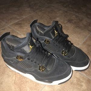 low priced ba2ca 79e42 Retro 4 Jordan's (black & gold)