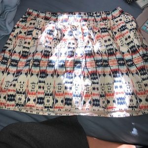 Patterned old navy skirt with pockets