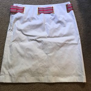 Cute Brooks Brothers skirt! Can be worn to work!