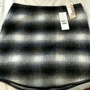 Karen Kane Black & White Checkered Skirt.