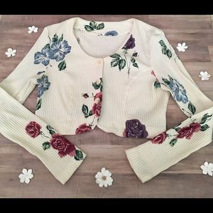 Vintage 90s Floral Button up Crop Top