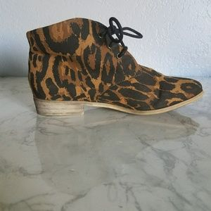 F21 Cheetah Print Chelsea Booties Size 8 OFFERS