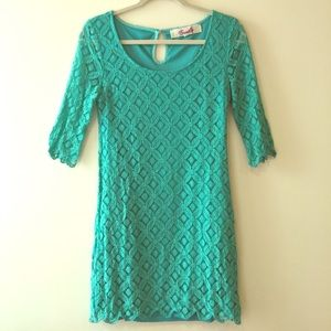 Elegant 3/4 sleeve teal/green lace dress