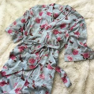 Other - now trending | romantic floral satin robe |