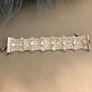 Bracelet made with Swarovski crystals