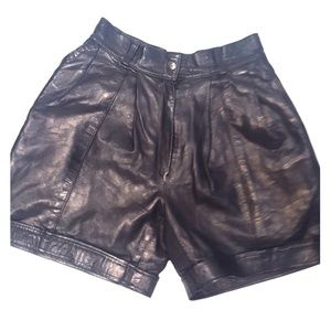 Vintage Mike Curtis leather Bermuda shorts S