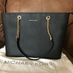 New With Tags Michael Kors Jet Set Travel Tote