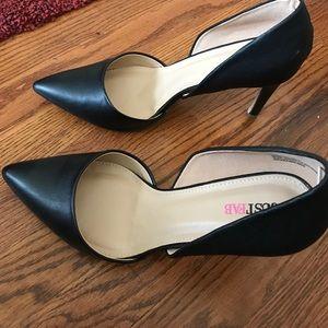Women's black pumps, heels size 11 m