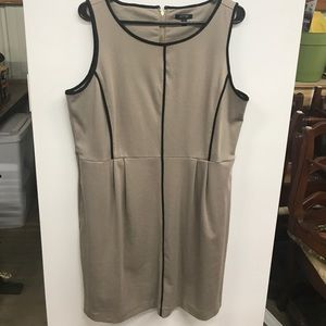 Gorgeous dress perfect for Fall