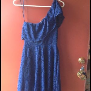 NWT, BEAUTIFUL BLUE with off the shoulder.